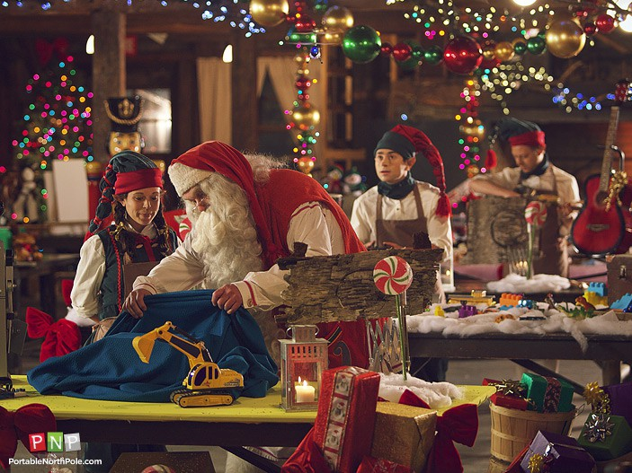 pnp2013_img_hor_santasVillage_12