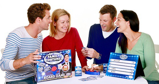 FamilyFortunesBoard 4 Adults LR