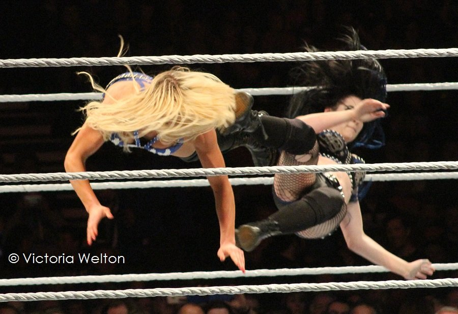 WWE Cardiff November 2015 Charlotte and Paige