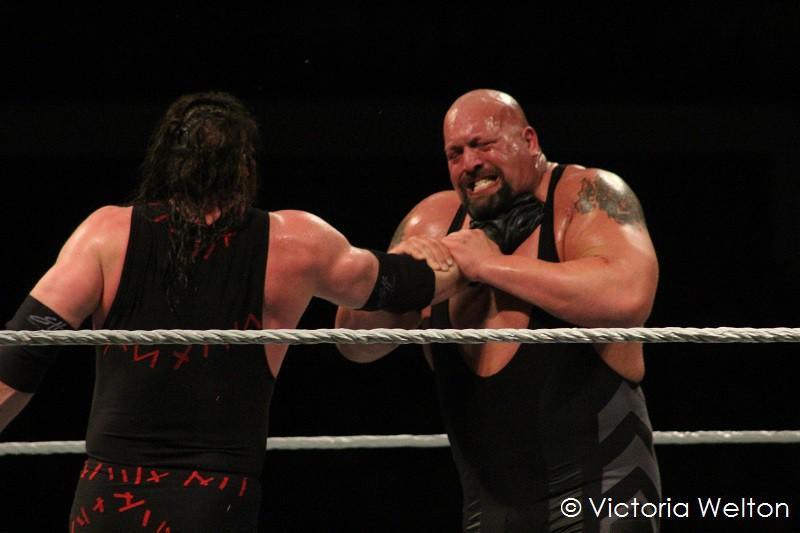 WWE Cardiff November 2015 Kane Versus The Big Show