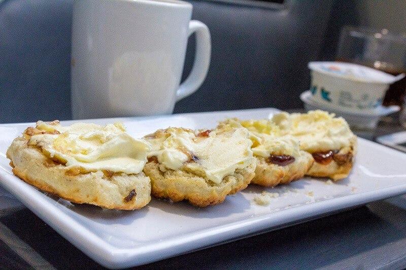 cream-tea-at-aspire-plus-lounge