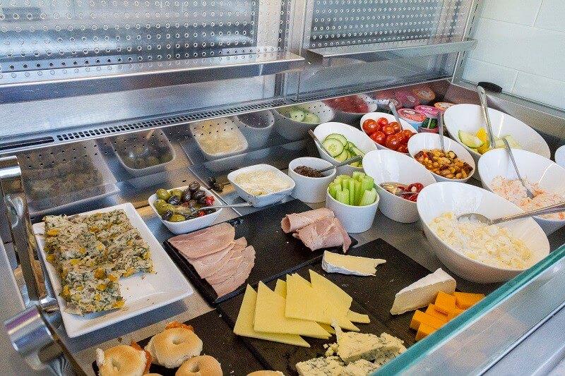 the-salad-bar-at-aspire-plus-lounge